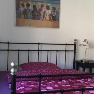 EINS Schlafzimmer mit Doppelbett 160x200