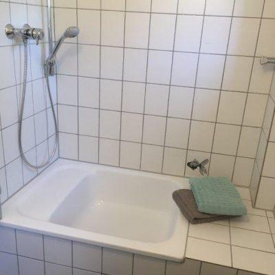 ZWEI Badezimmer